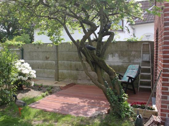 Après Jardin de ville  terrasse en bois 16m² à Mouscon